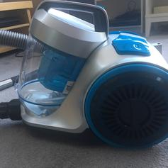 Vax Vacuum Cleaner in KT3 London for £25 00 for sale - Shpock