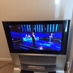 Panasonic Viera smart tv Tx-L42E6B in KT22 Valley for