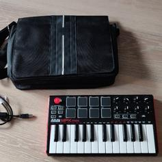 Akai MPK mini mk1 in SW19 London for £30 00 for sale - Shpock