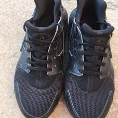 quality design b7e6f 8240c Gucci huaraches in TS8 Middlesbrough for £40.00 for sale ...