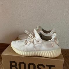 Adidas Yeezy Boost 350 V2 Cream White in 1170 Wien für </p>                     </div> 		  <!--bof Product URL --> 										<!--eof Product URL --> 					<!--bof Quantity Discounts table --> 											<!--eof Quantity Discounts table --> 				</div> 				                       			</dd> 						<dt class=