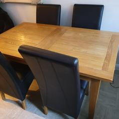 Antique Oak Dining Room Cairs 4 In Southend On Sea Fur 20 00 Zum Verkauf Shpock At