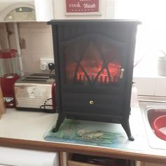 FLAME EFFECT HEATER in BN41 Sea for £50