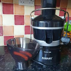 Cucina Power Juicer BNIB in Amber