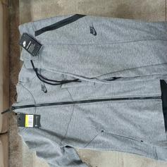 Grey Nike Tech Fleece Tracksuit Size M In Gu10 Farnham For 75 00 For Sale Shpock