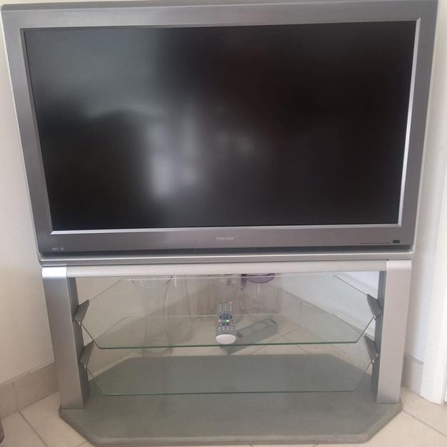 Toshiba 42 Inch Lcd Tv With Stand In Myrke For 10000 Shpock