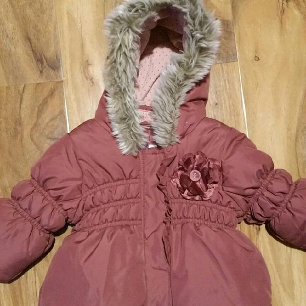 57b4e4c9d2bd next girls coat 3-6 months in TN10 Malling for £5.00 for sale - Shpock