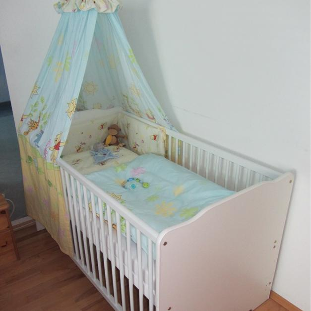 Babybett Winnie Pooh in 3353 Biberbach for €130.00 for sale - Shpock