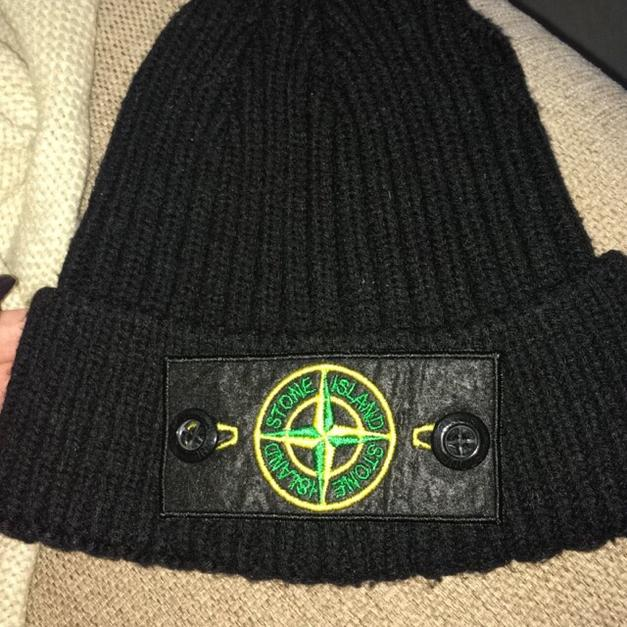 Men s stone island hat in SE12 London for £12.00 for sale - Shpock c3c5f88c83e