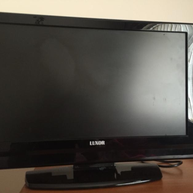 Luxor 19 Inch Dvd Tv Combi In B42 Birmingham For 2000 For Sale