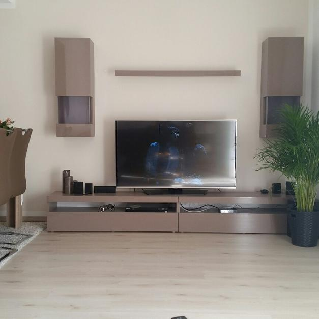 Moderne Hochglanz Wohnwand Cappuccino In 41470 Neuss For 150 For