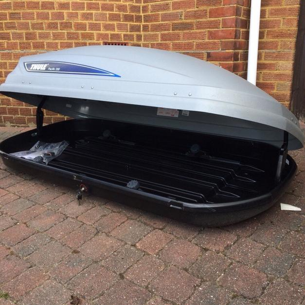 thule pacific 200 roof box in po6 solent for for. Black Bedroom Furniture Sets. Home Design Ideas