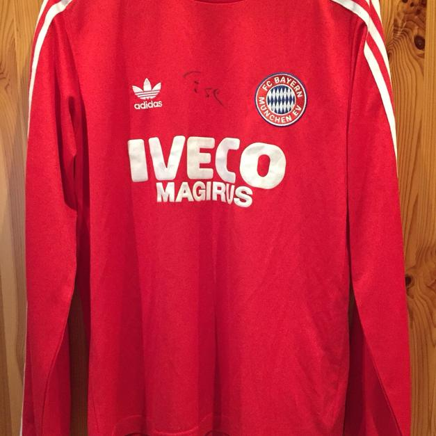 Fc Bayern München Retro Trikot 8384 Signed In 36103 Flieden For 79