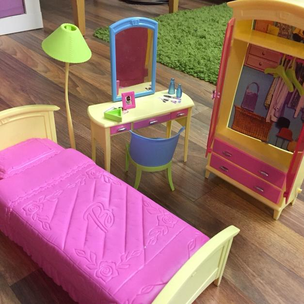 Barbie Schlafzimmer in 6300 Wörgl for €10.00 - Shpock