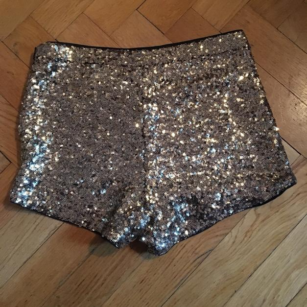 Sylvester gold glitzer Short in 81679 München for €8.00 - Shpock 550c76348f