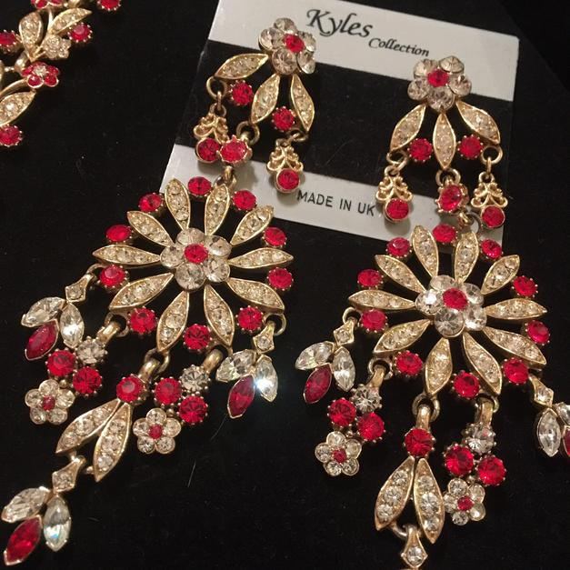 481686804 Kyles collection Swarovski jewellery set in LU3 Luton for £80.00 for sale -  Shpock