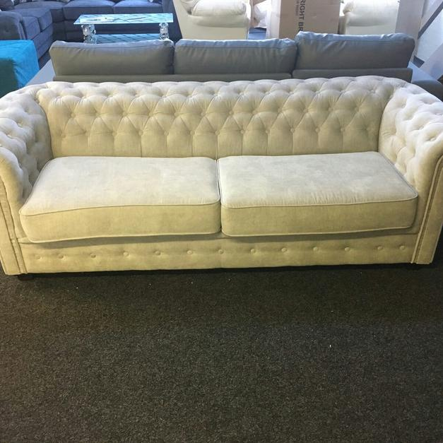 Chesterfield Style Sofa Bed In B8 Birmingham For 599 00 Shpock