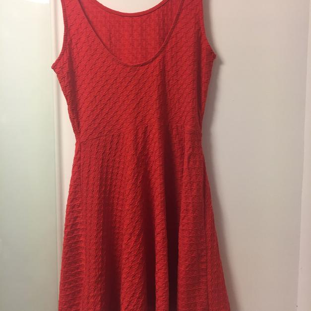 647ec8966a0d Rotes, kurzes Kleid H M ! in 8020 Graz for €3.00 - Shpock