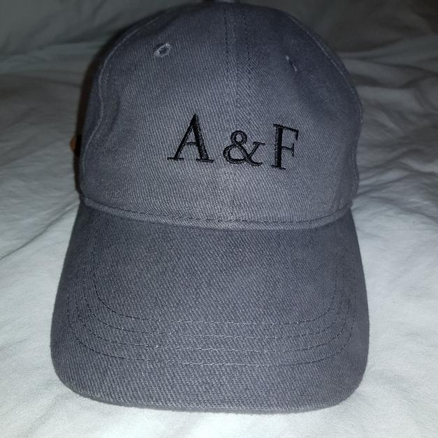 Abercrombie   Fitch fitted baseball cap in E2 London for £10.00 for ... 29e0d8f1278