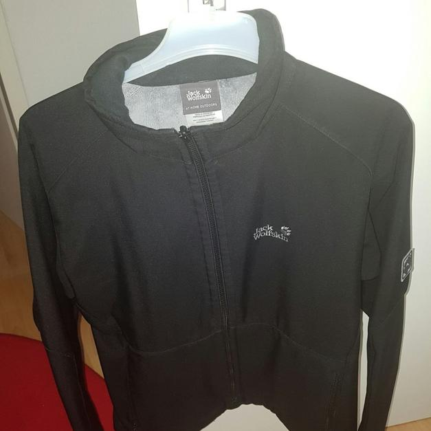 cheap for discount 90b1e 85550 Jack wolfskin in 13351 Berlin for €40.00 - Shpock