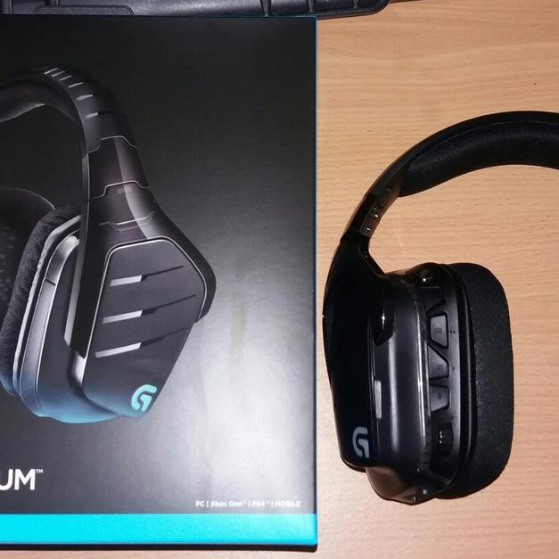 Wireless Gaming headset Logitech g933 in SS17 Corringham for