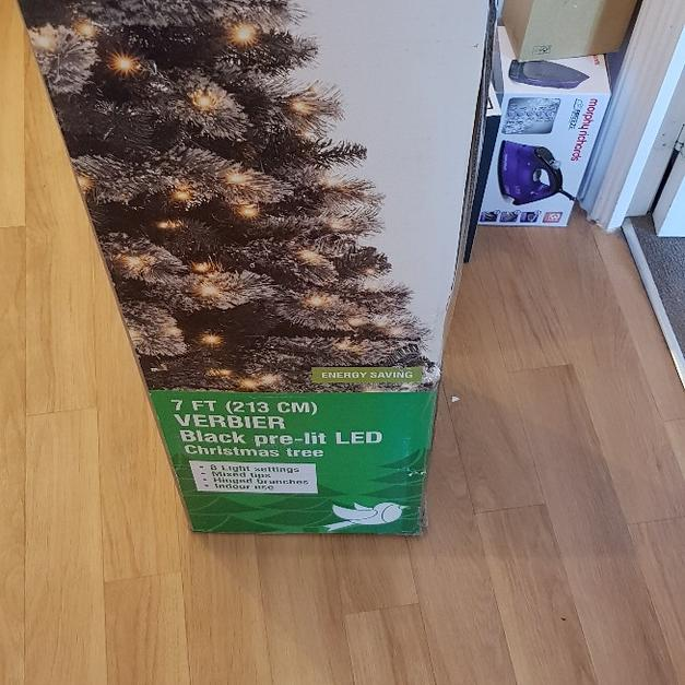 Brand New 7ft Christmas Tree In Colchester Für 2000 Shpock