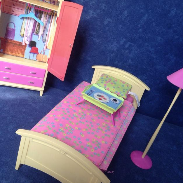 Barbie Schlafzimmer in 34590 Wabern for €10.00 - Shpock