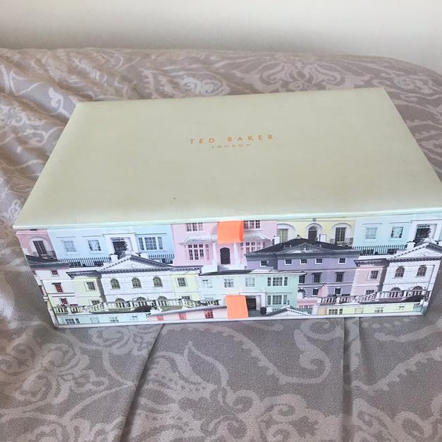 e052ad514 Ted baker box with makeup in ST6-Trent for £6.00 for sale - Shpock