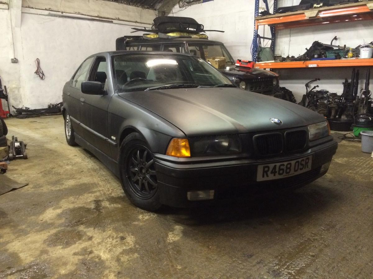 Description Bmw E36 323i