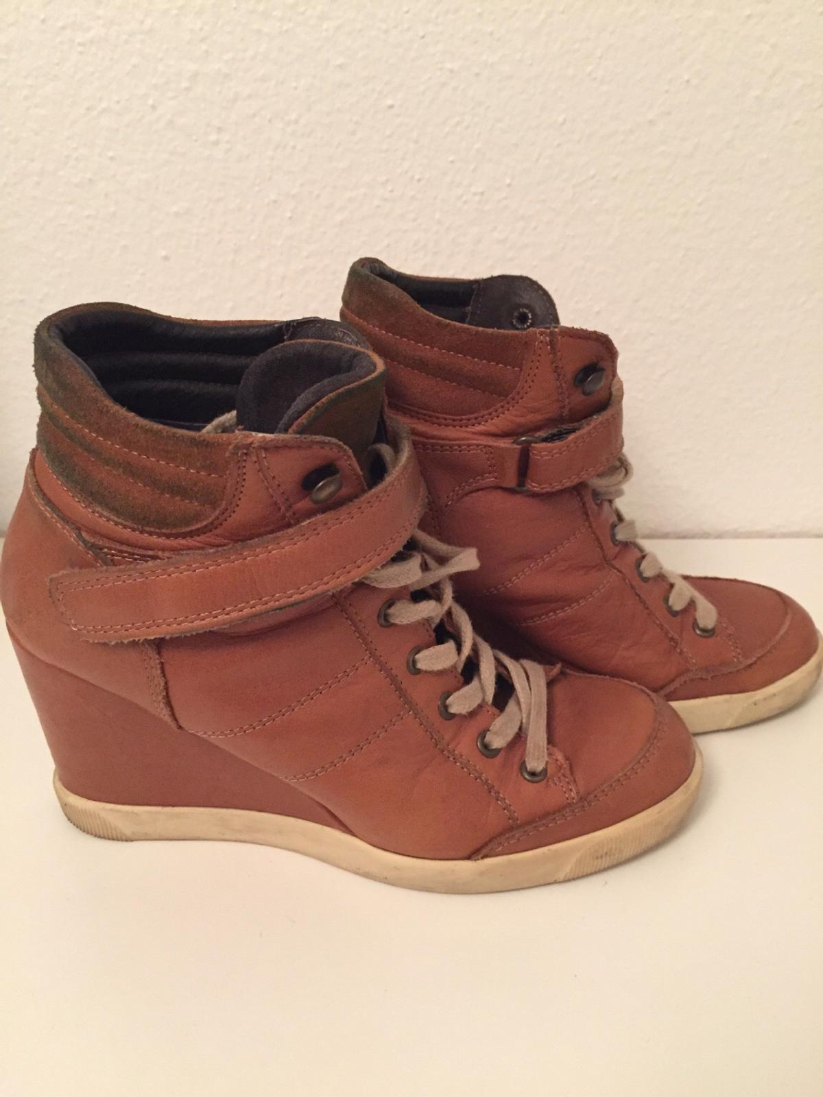 purchase cheap 3382b 2a20a Buffalo Sneaker mit Keilabsatz