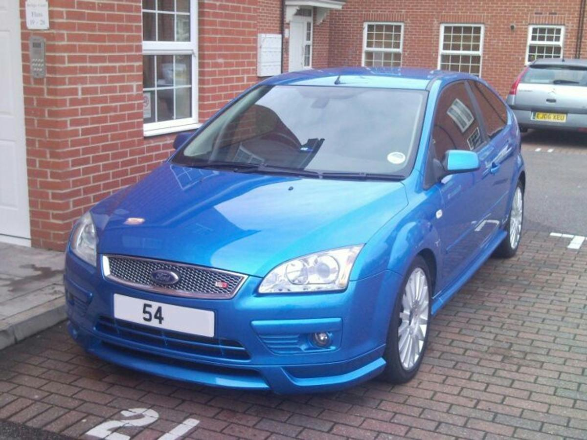 Ford Focus Mk2 3 Front Bumber Vgc