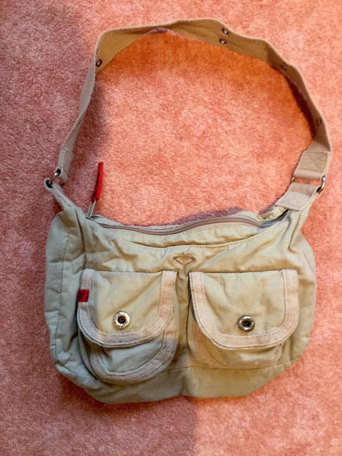 071fac03e8f53 Roxy Handtasche in 9427 Wolfhalden for CHF 15.00 for sale - Shpock