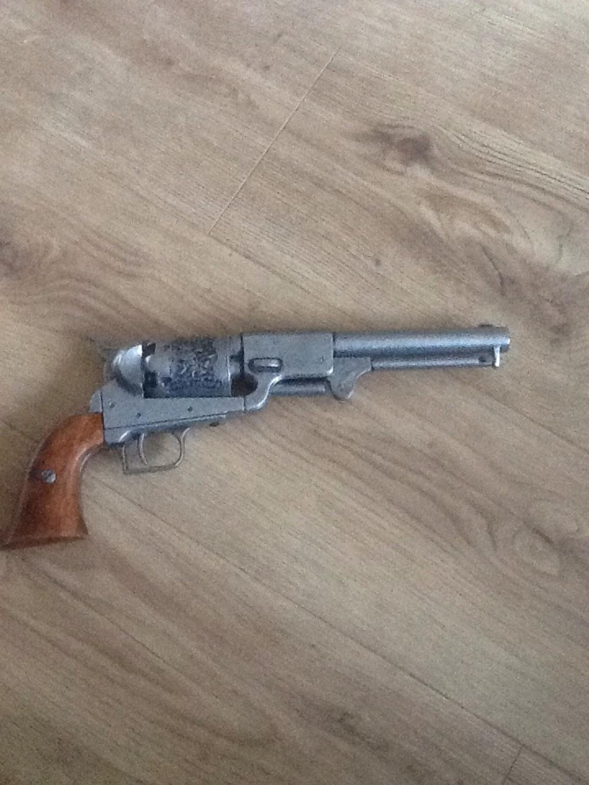 Denix replica Colt Dragoon pistol