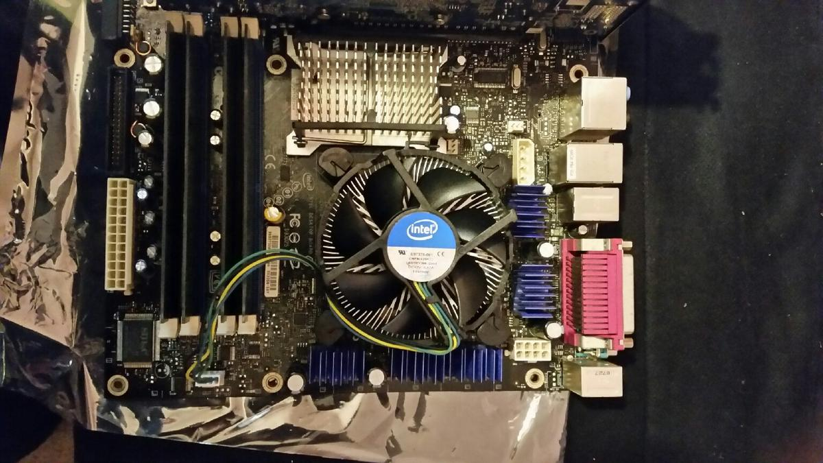 motherboard with cpu/memory/graphics card in RH11 Crawley