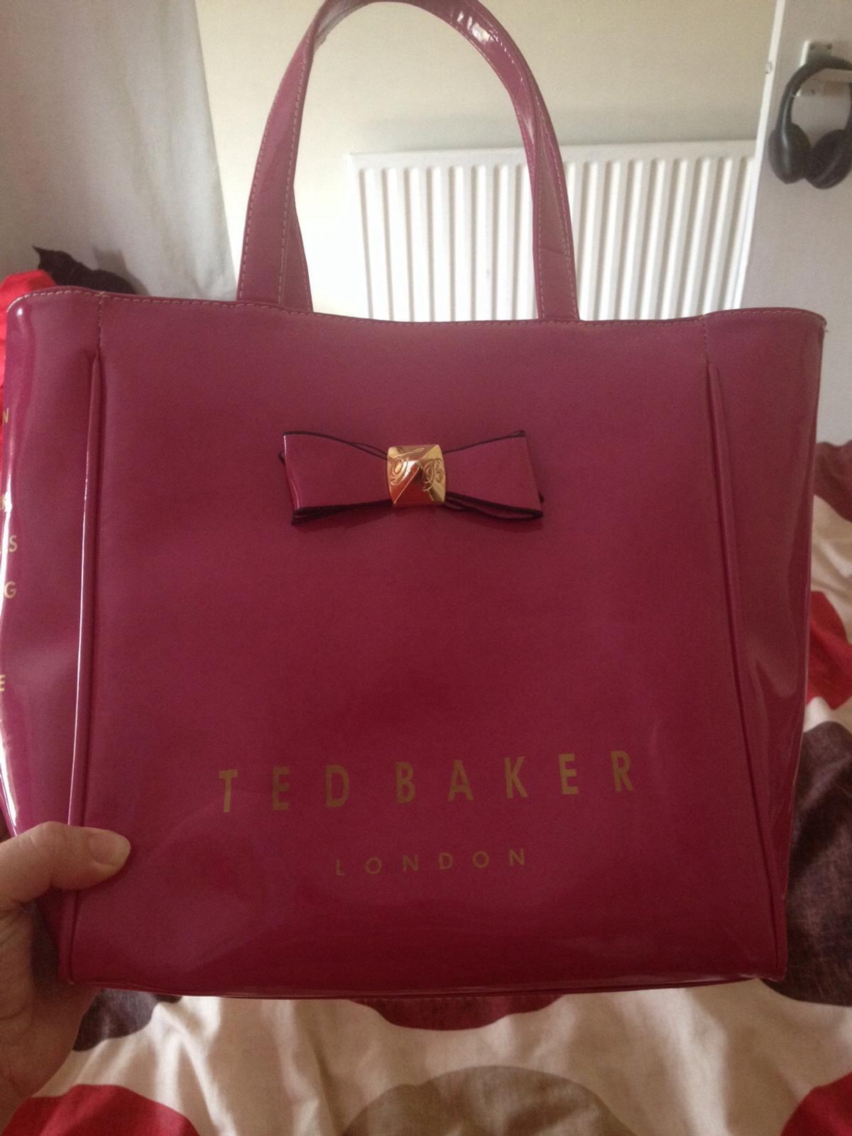 fb83f4b12e fake ted baker bag in Page Bank for £5.00 for sale - Shpock