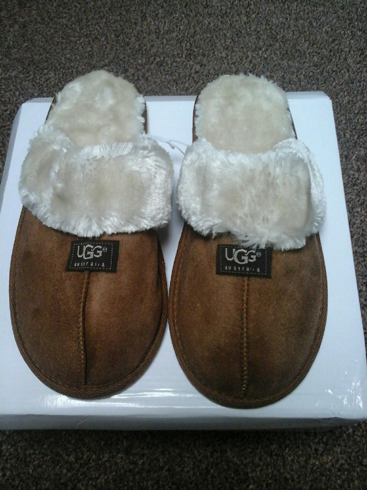 03e08acf0bd size 7 ugg slippers