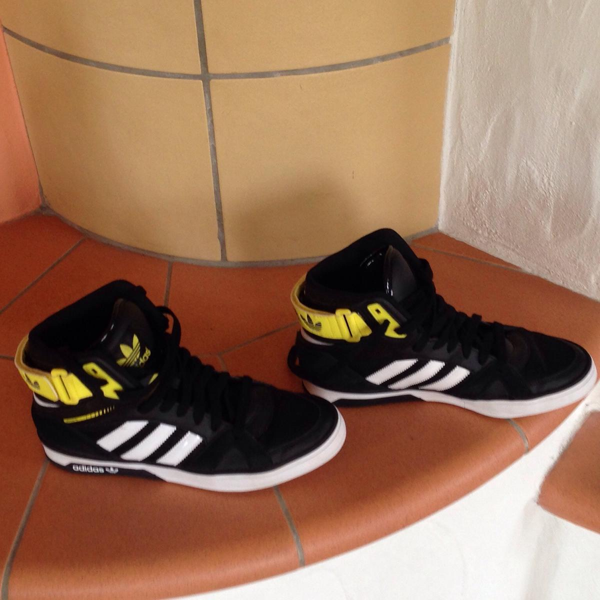 Adidas HiTop Sneaker Basketball Stiefel Gr.40 in 66687