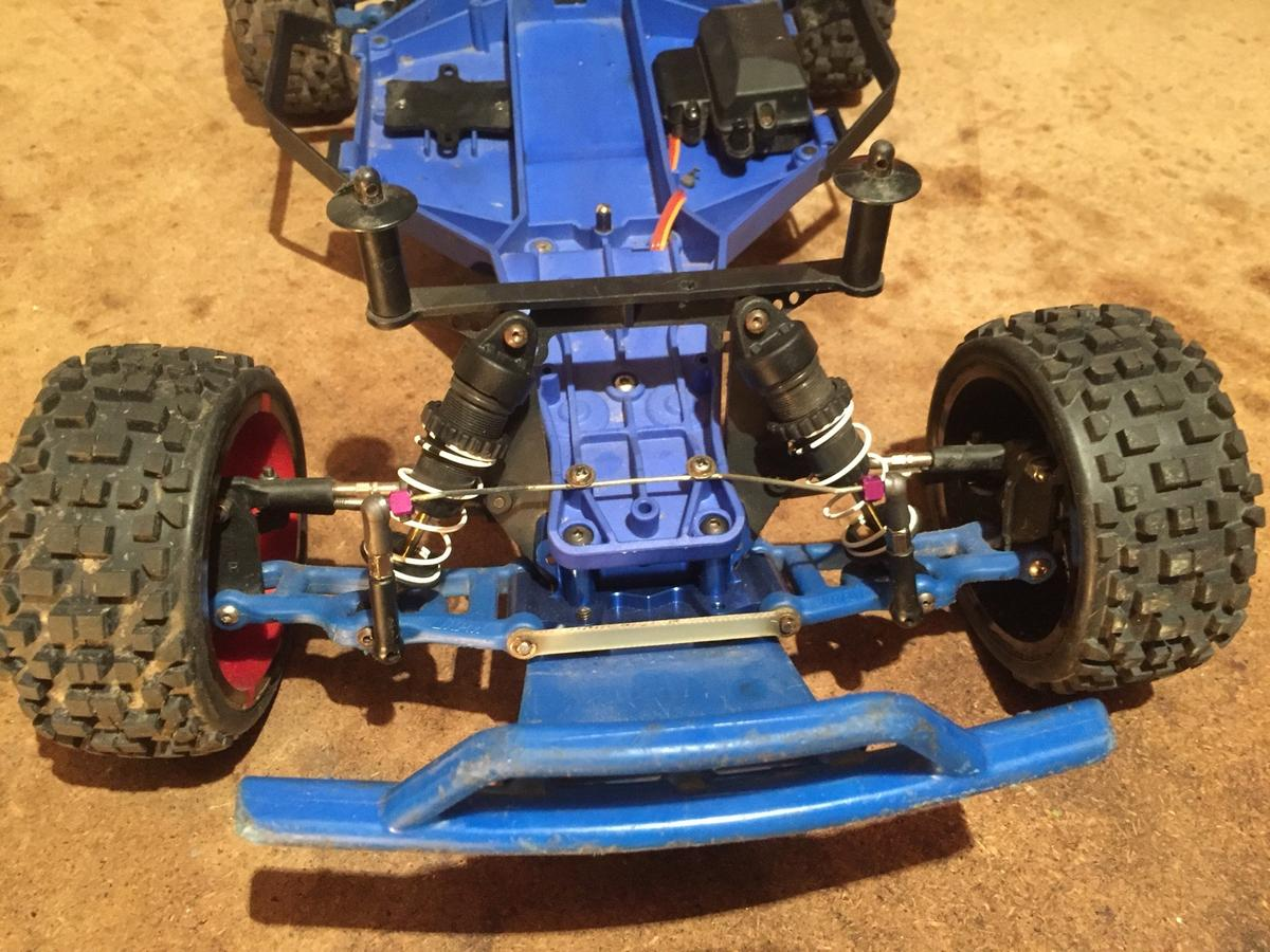 Traxxas slash 2wd rolling chassis in LS21 Otley for £120 00 for sale