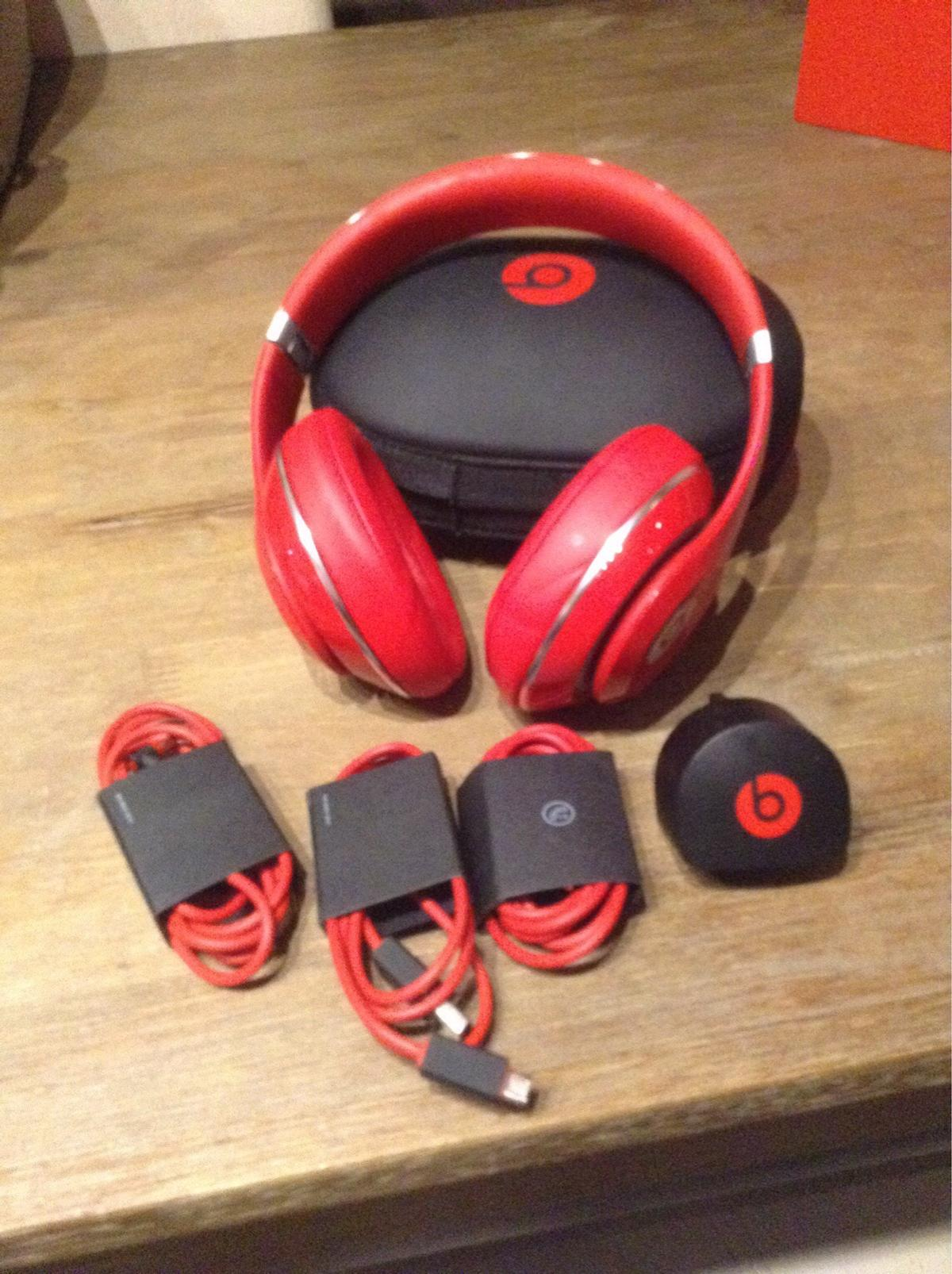Authentic beats studio 2 0 red in DA11 Gravesham for £100 00