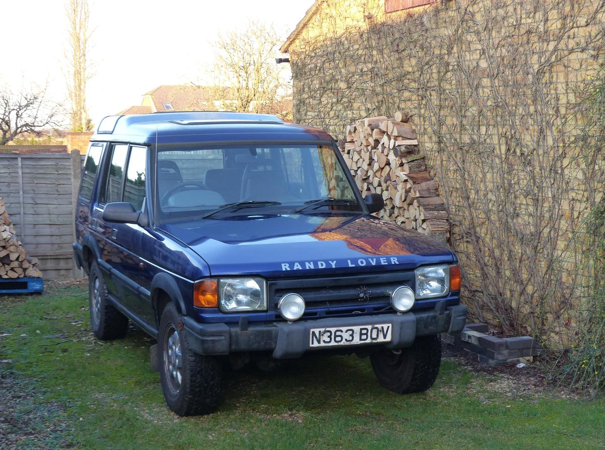 Land Rover Discovery 300TDi 96 Manual 7 seat in SG15