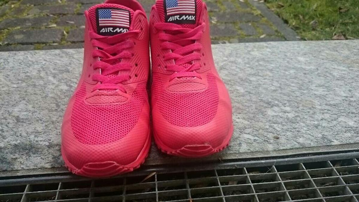 nike red hyperfuse air max