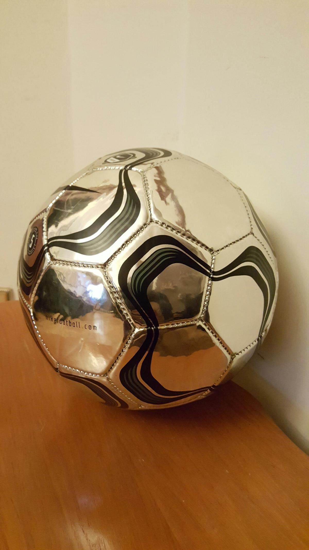 a0d32f07e623 Nike scorpion chrome football in London for £50.00 for sale - Shpock