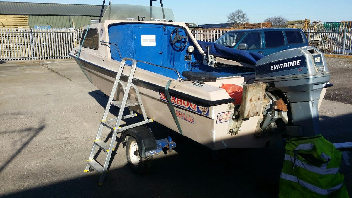 seahog hunter fast fishing boat with traler in Bracknell for