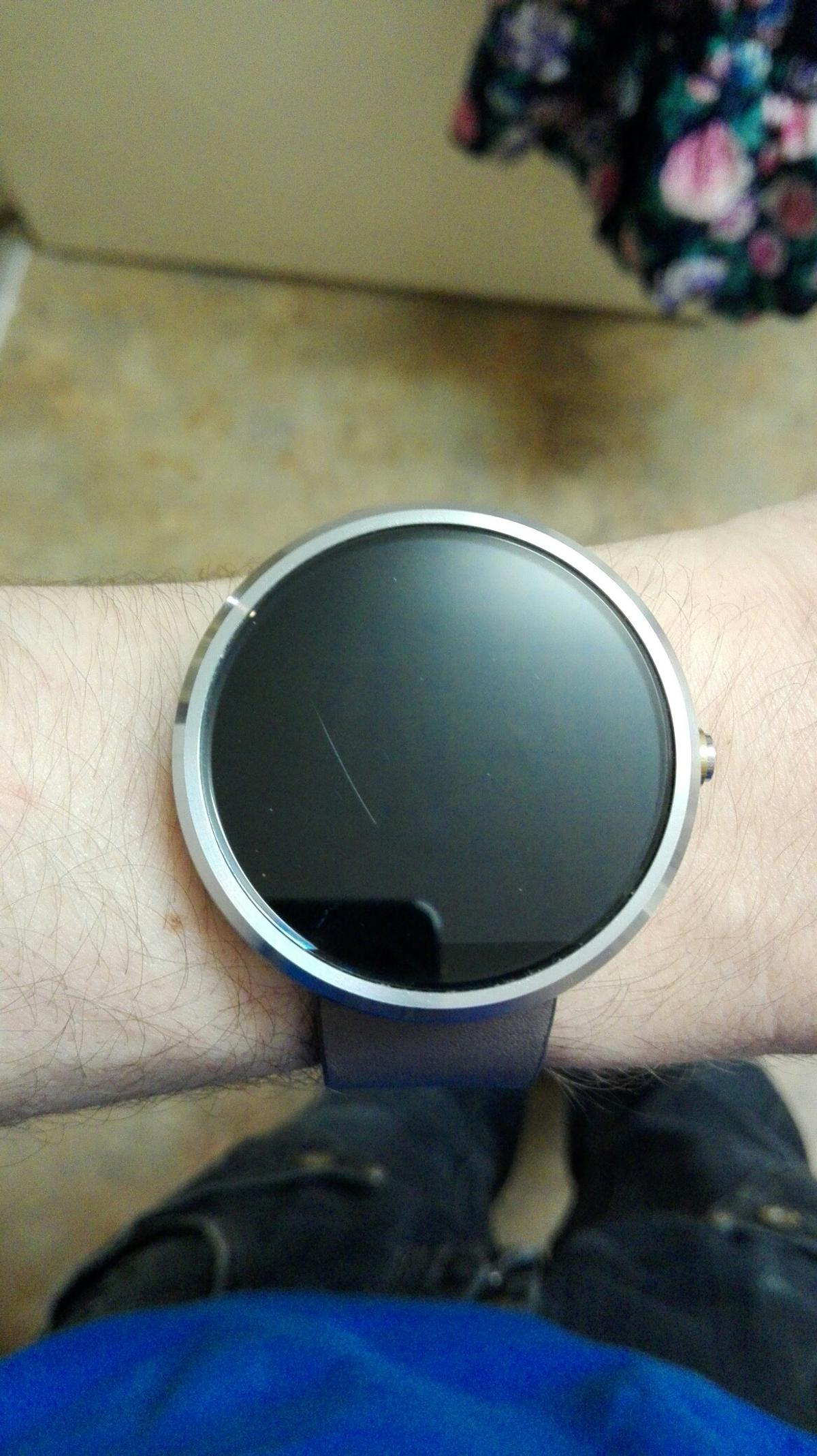 Moto 360 smart watch in M25 Bury for £50 00 for sale - Shpock