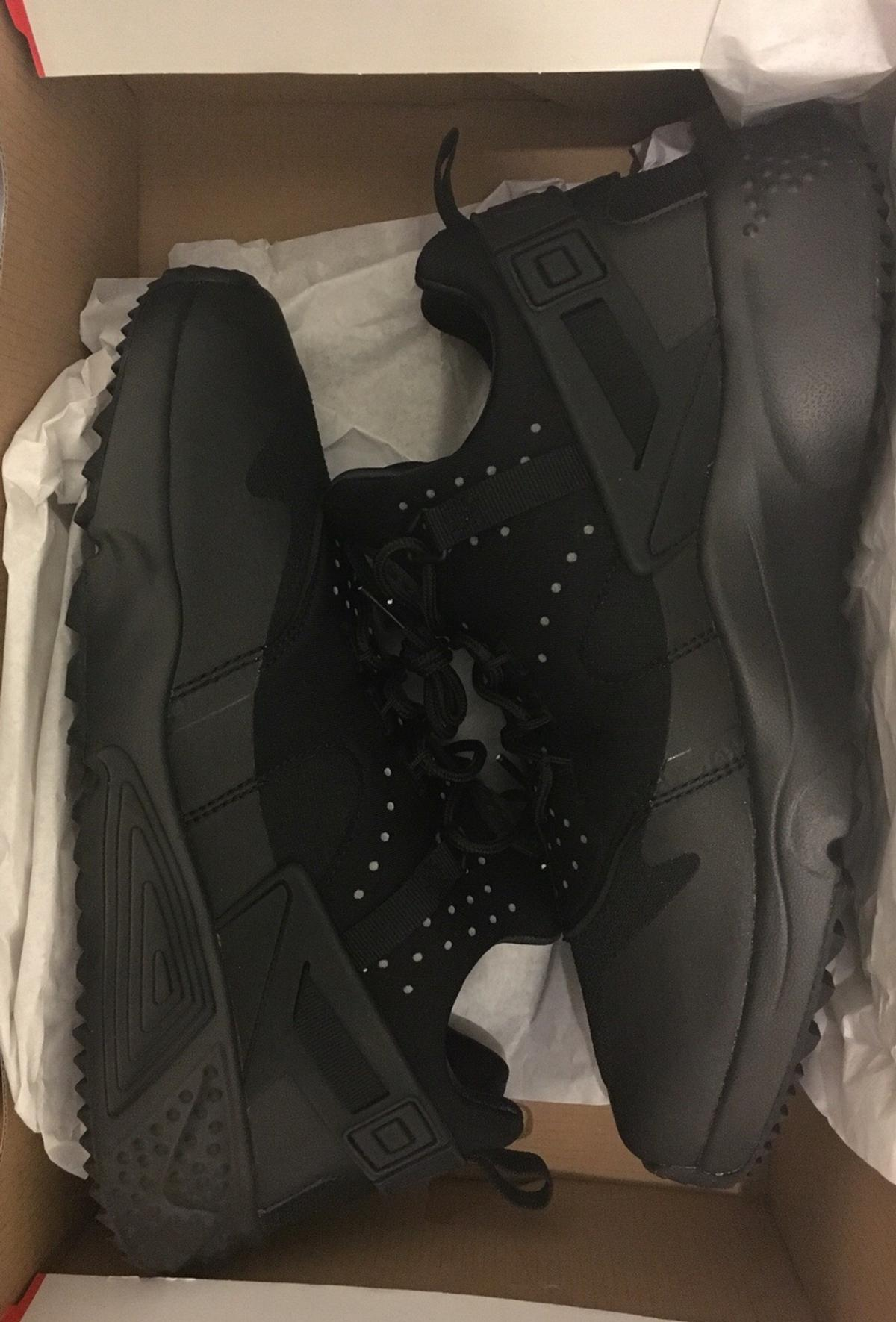 cb8c0eee428f Nike Huaraches Utility Size 11 in E3 London for £70.00 for sale - Shpock