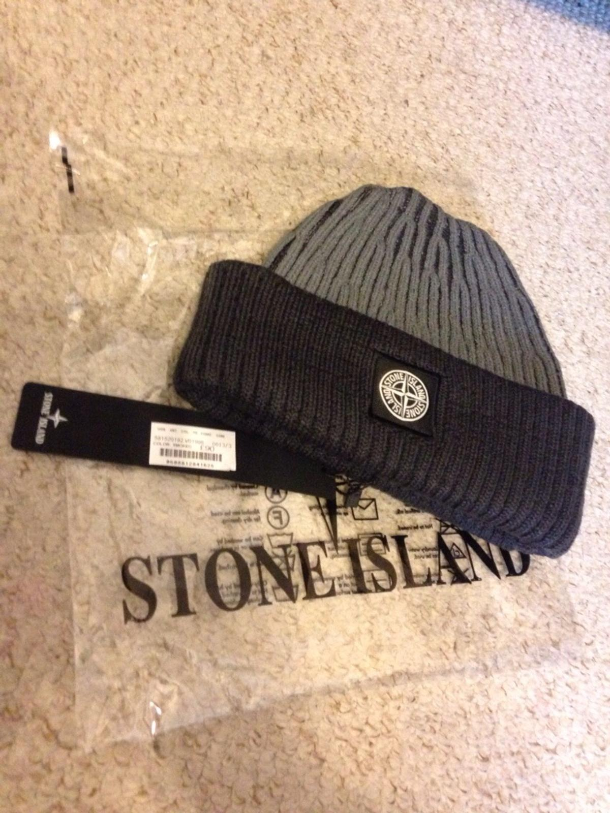 f43c0f532f5a1 Stone island two tone ribbed beanie hat cap in N16 London for £35.00 ...