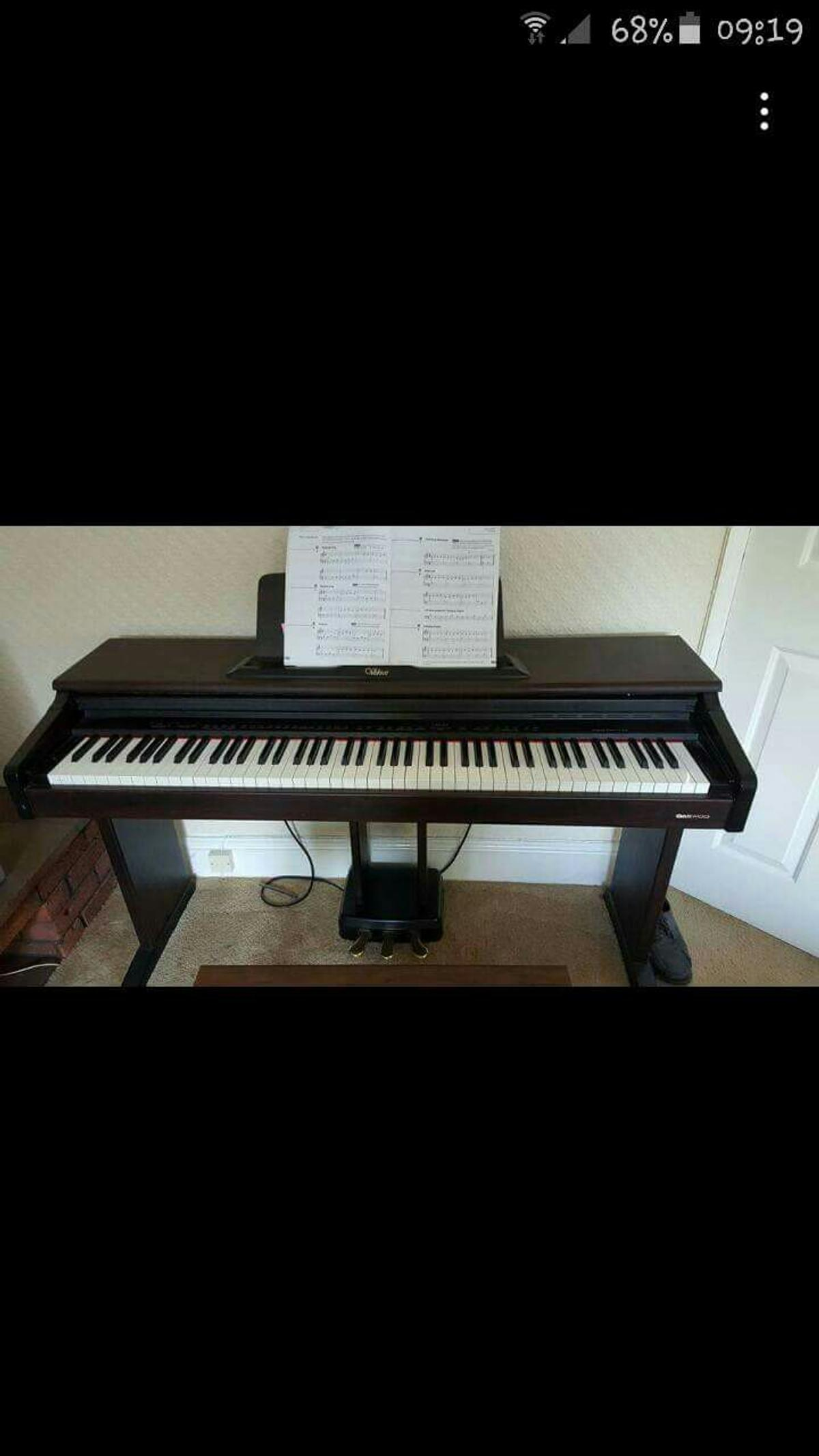 Digital piano £100 if gone by friday25th!!