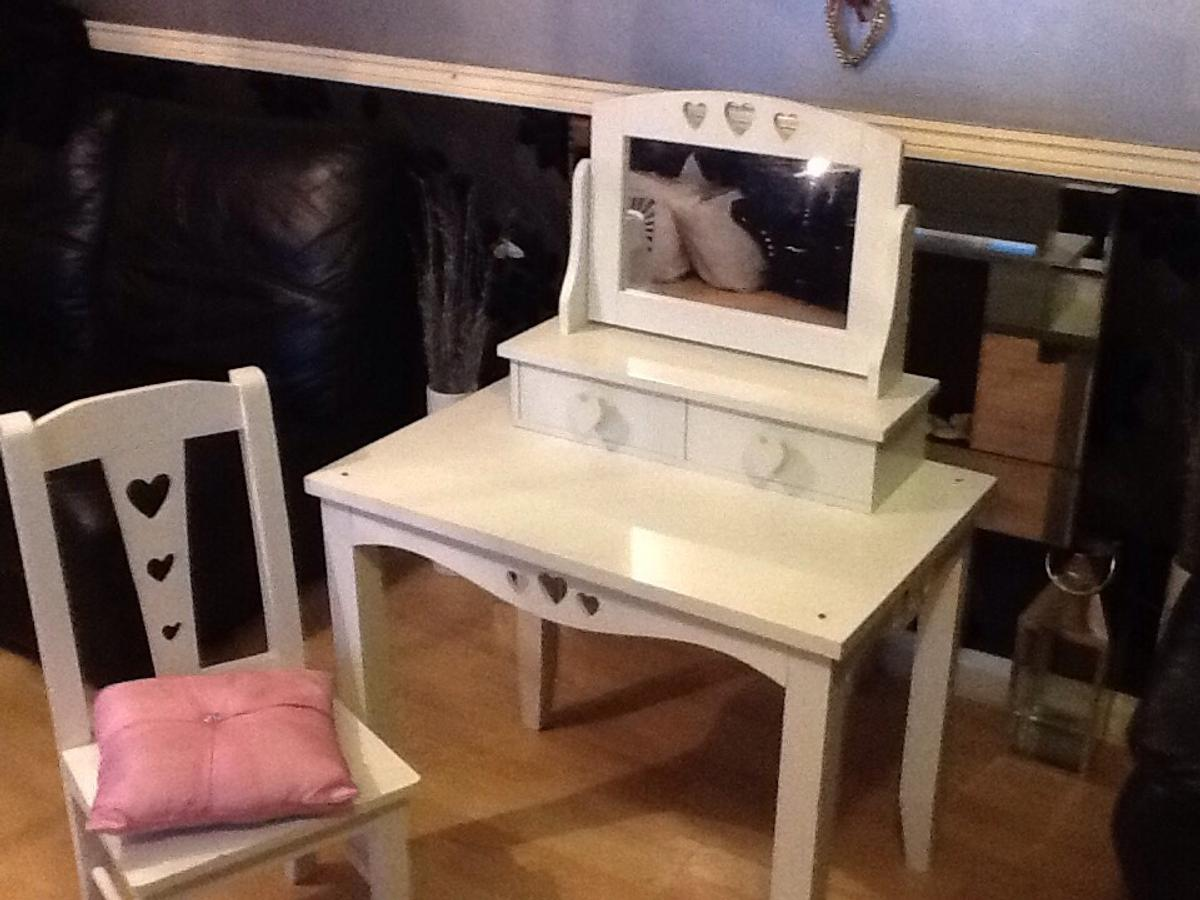 Wondrous Childs Dressing Table And Chair With Mirror In Se8 London Machost Co Dining Chair Design Ideas Machostcouk