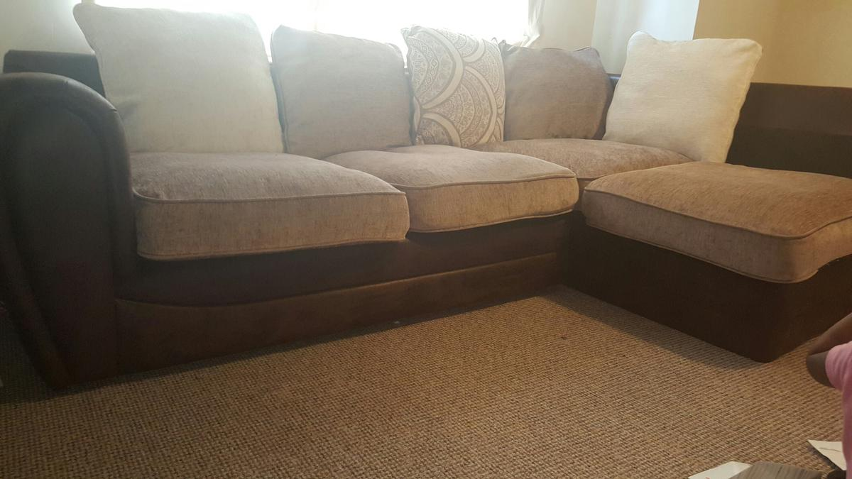 new styles d41fe 294b3 Wyvern Chenille Corner Sofa in M32 Salford for £180.00 for ...