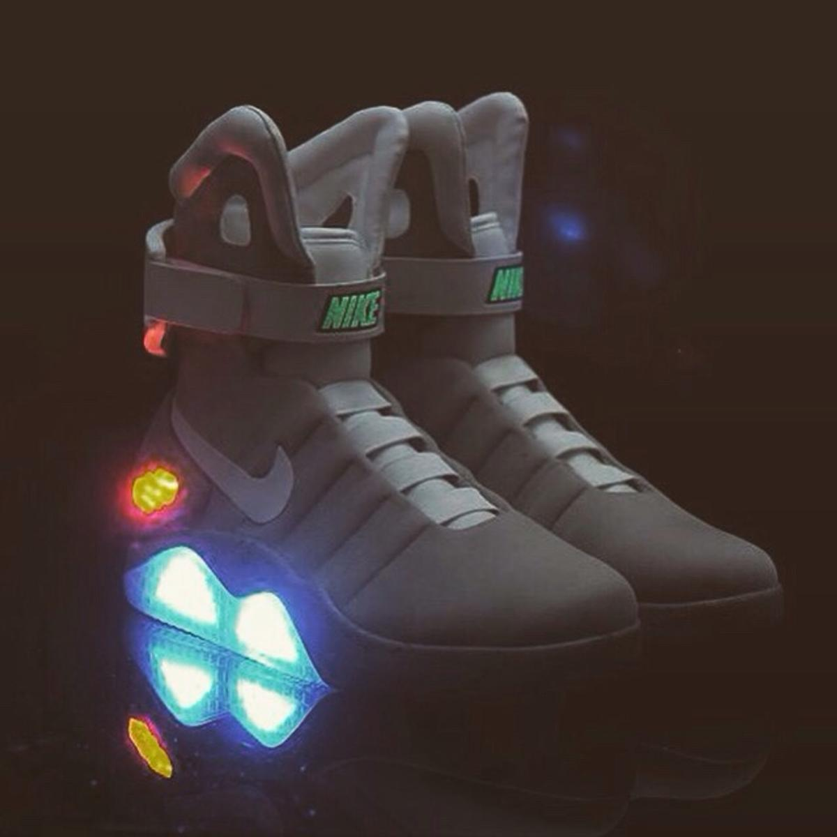 nike air mags size 8